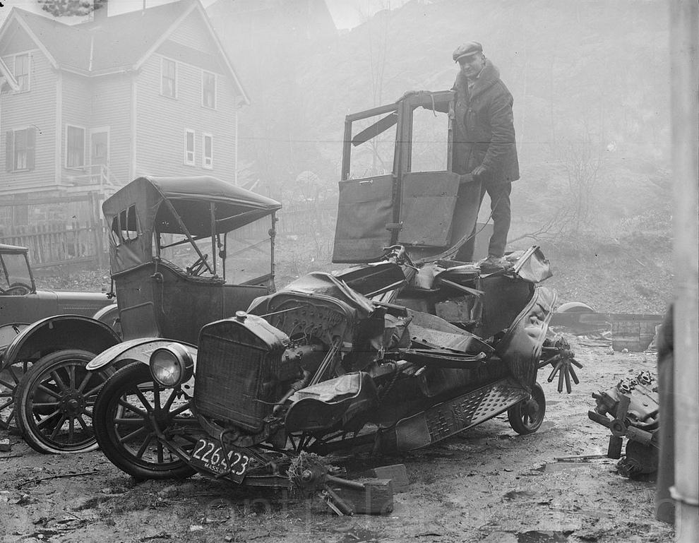 photo accident vieille voiture