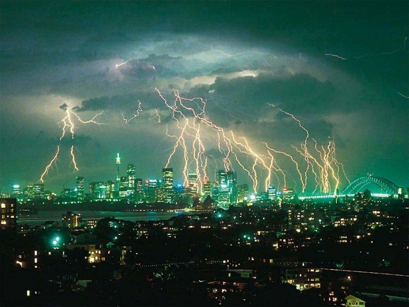 صور لأعاصير و عواصف